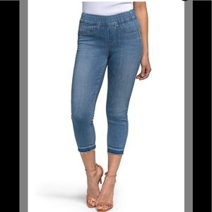 Curves 360 Release Hem Pull On Cropped Skinny